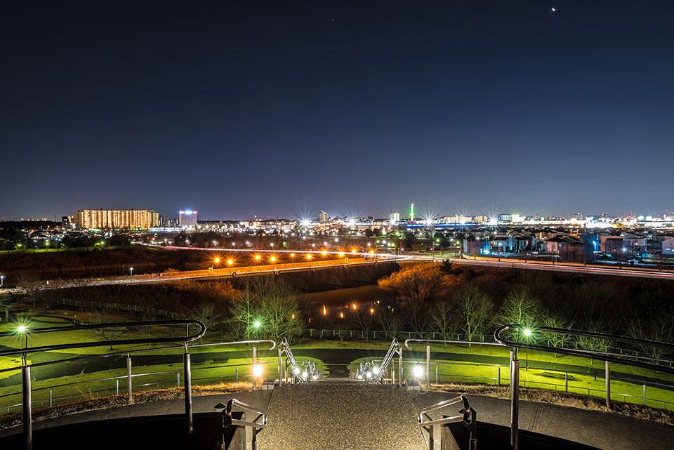 印西市にある牧の原公園ひょうたん山の夜景画像