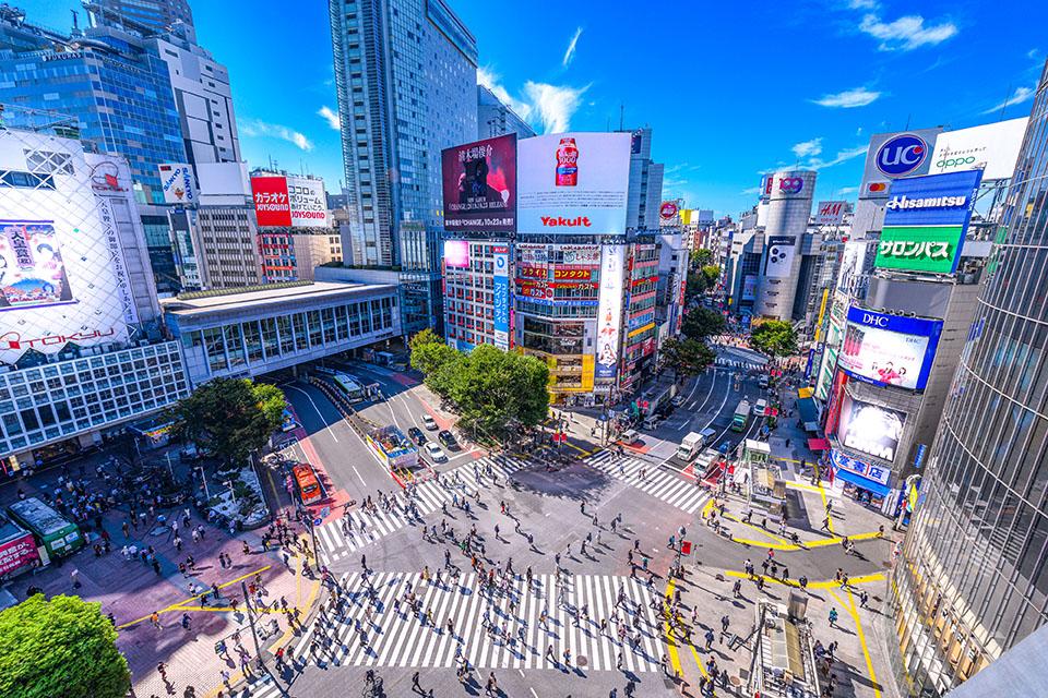 渋谷駅前スクランブル交差点画像